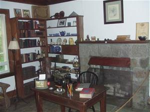 The interior of the Knothole, the writing studio used by Christopher Morley.